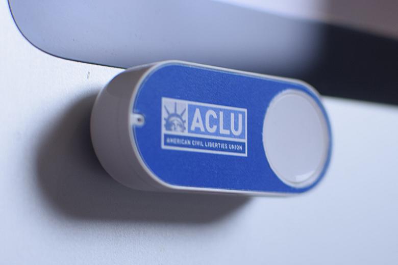 Amazonダッシュボタンをハックして人権団体を支援。寄付を促す最高のUX