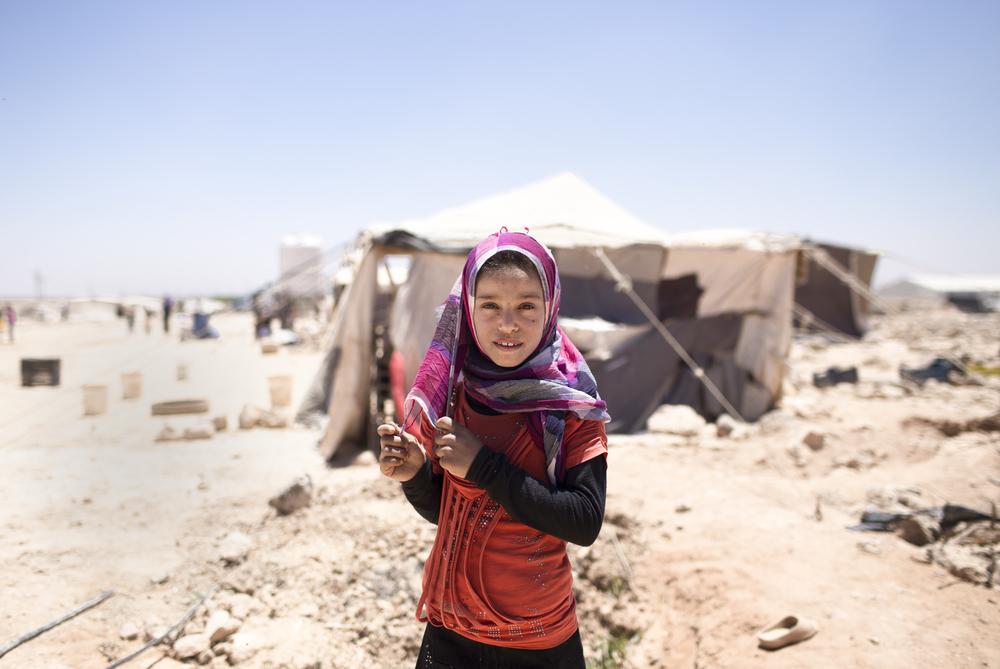 難民少女のリアルなスマホ画面を擬似体験できるアプリ「Finding Home」