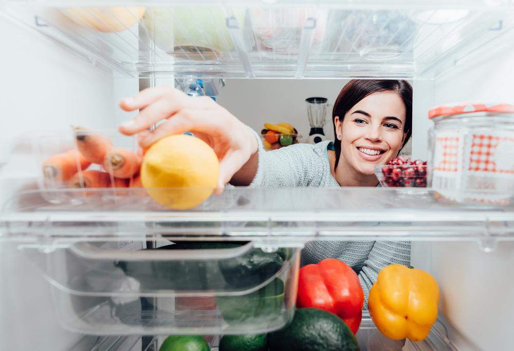 家庭の食料廃棄に終止符を。冷蔵庫の中身を教えてくれるスマートワイヤレスカメラ