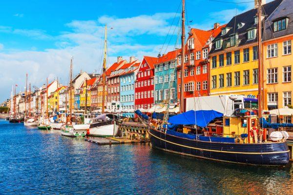 デンマーク首都コペンハーゲンの観光地ニューハン