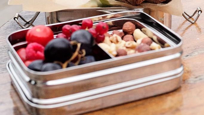 プラスチックを使わない、インド製のステンレス鋼の弁当箱「ECO Brotbox」