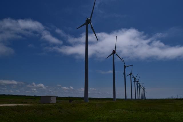 リサイクル可能。自力で変形する樹脂を用いた、よりサステナブルな風力発電