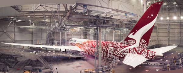 オーストラリア北部特別地区出身のアーティストEmily氏がデザインしたカンタス航空の新しい機体