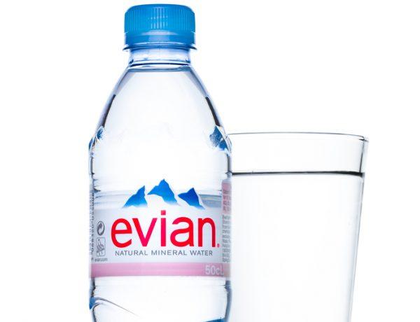 エビアンのペットボトル