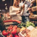 世界初、オランダのスーパーに登場した「完全プラスチックフリー」の食品売り場