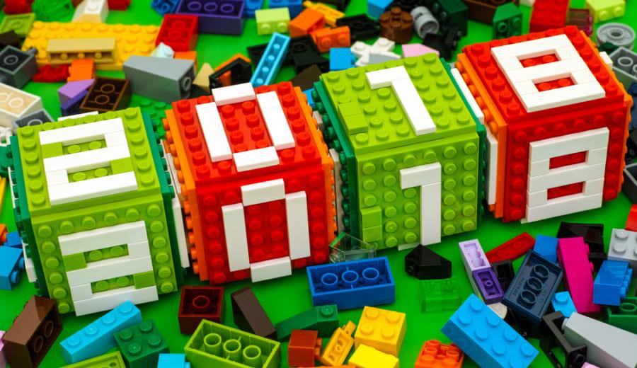 様々な色のレゴブロック