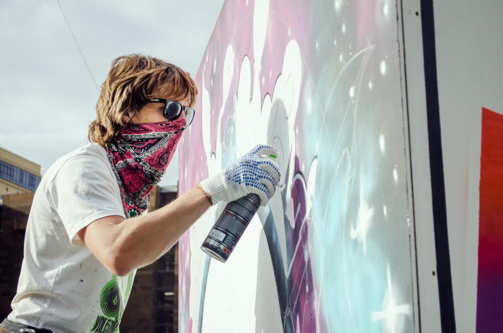 羞恥心に訴えかける。公共バスの落書きや破壊を防止するキャンペーン