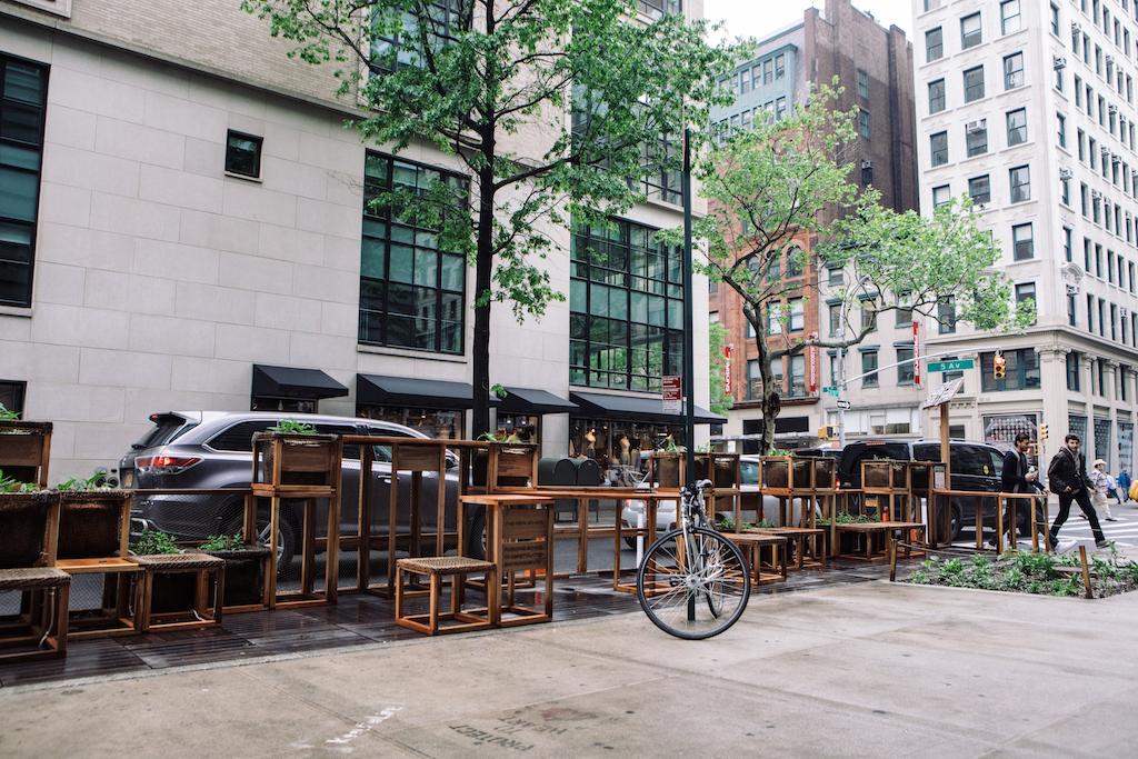 NYにある、建築とアートでサステナビリティを訴える休憩スポット