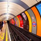より健康な選択肢を。ロンドンが公共交通機関でのジャンクフード広告を禁止