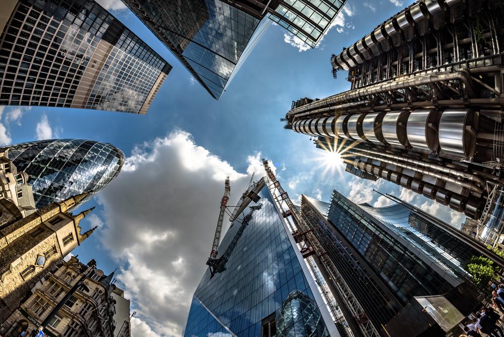ロンドン中心部の電力を100%再生可能エネルギーに