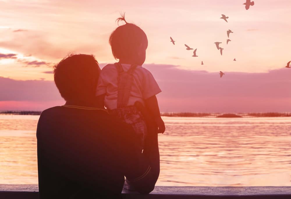 傷は人生の勲章。若者に冒険を呼びかける「ヴァセリン」の広告