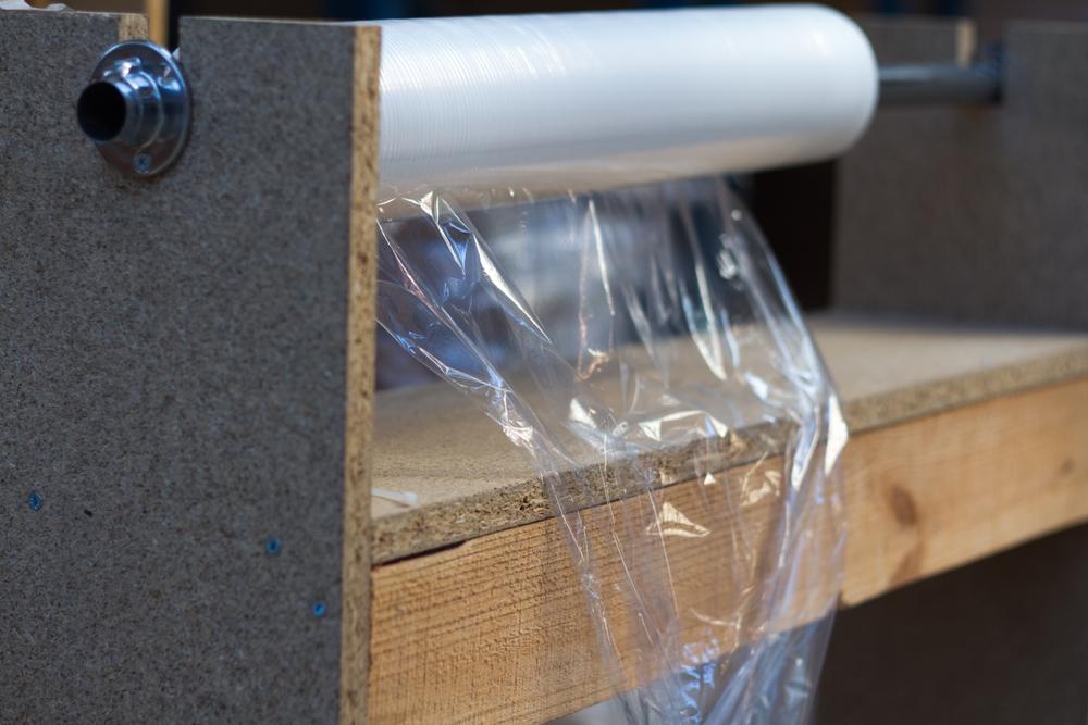 木の繊維とカニの甲羅から作られた、堆肥化できる食品ラップ