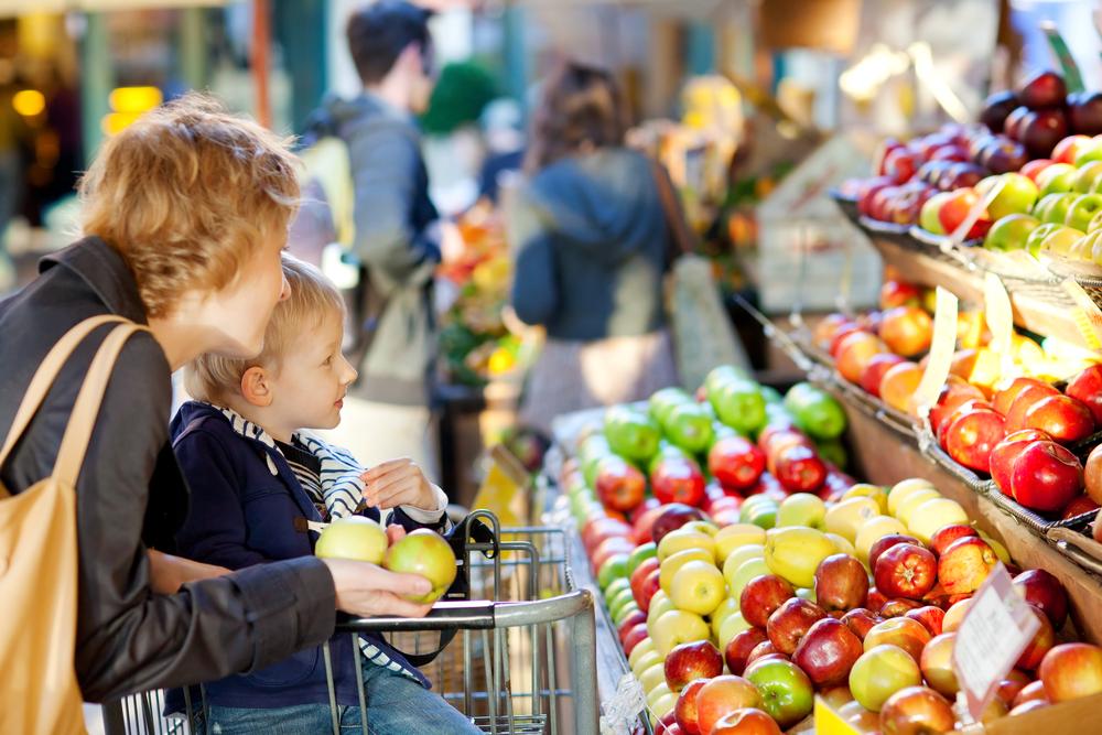 食品廃棄を減らし、貧困層の生活も支える。カナダの「値札のないスーパー」