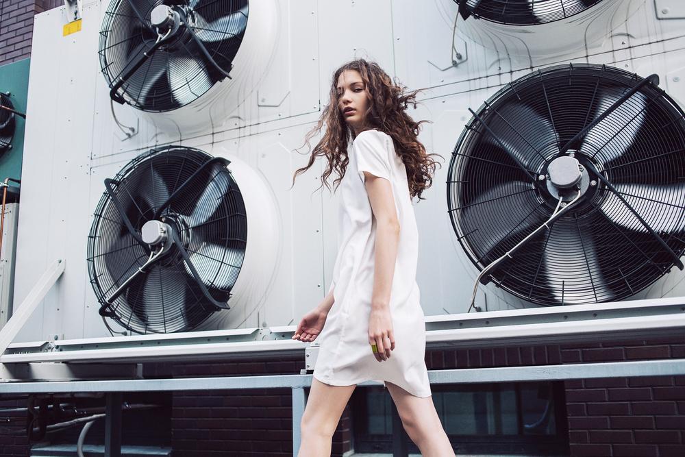 都会のビル風をエネルギーに。英国のシンプルな風力発電タービン「O-Wind」