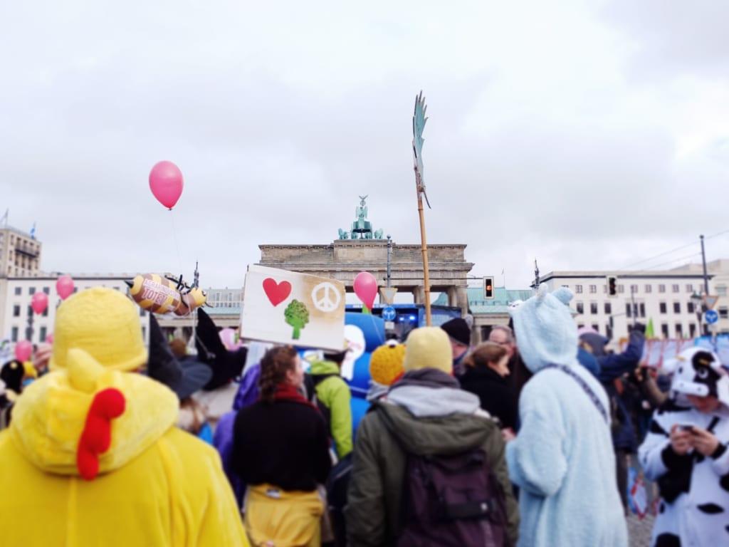 ベルリンに集まる人々