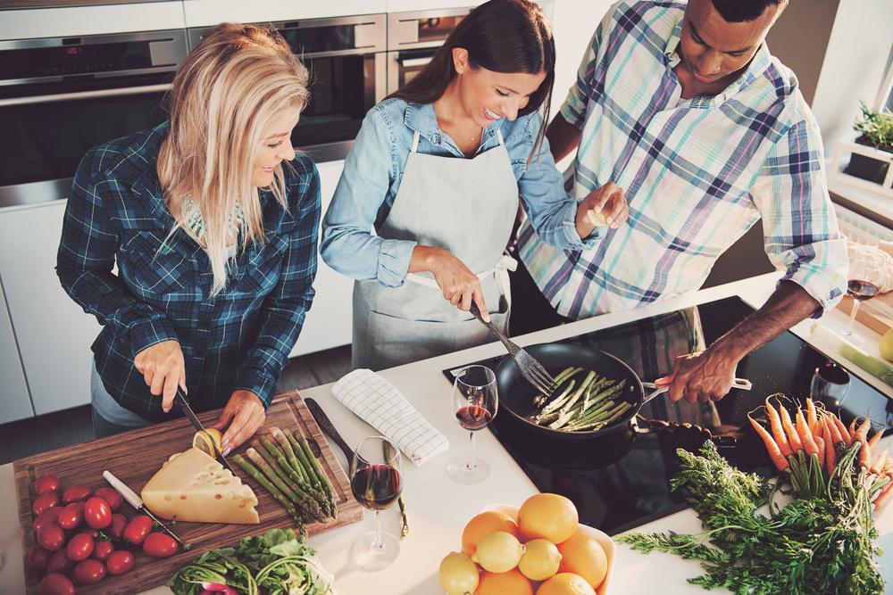 ジェイミー・オリヴァー監修。英テスコの余剰食品を使った料理教室