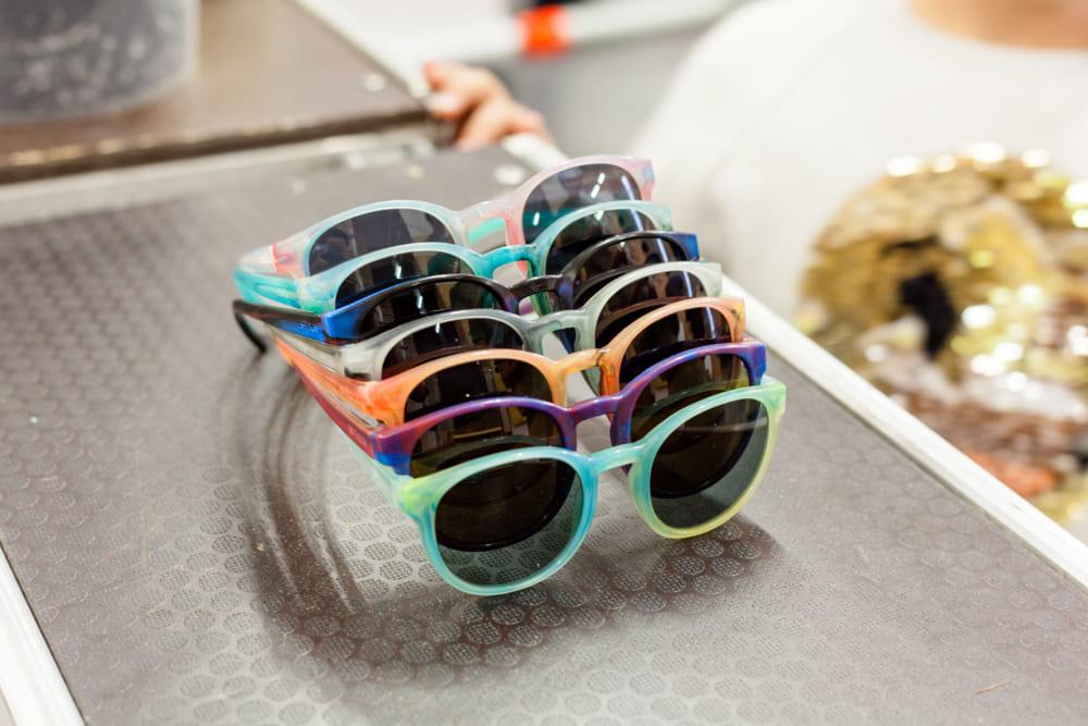 100%リサイクルプラスチック素材のDIYサングラス