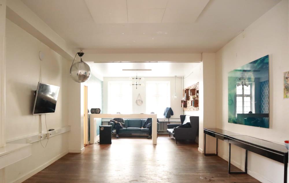 蒔田さんの所属する建築事務所henrik・innovationが入っているシェアオフィスの一室
