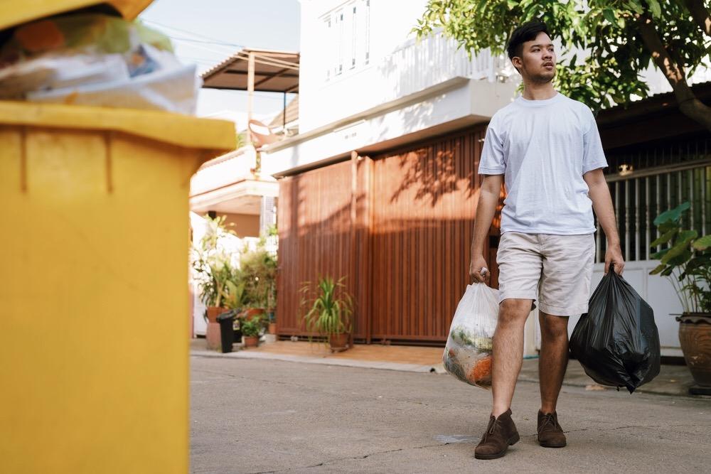 エコバッグ持参を促す、持ち歩くのが恥ずかしいレジ袋