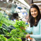 消費期限が2倍に伸びる?食料廃棄削減に挑む、食べられるコーティングスプレー