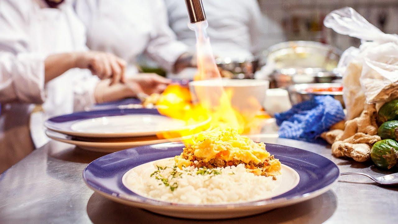 食材は持参、レシート代わりにレシピをくれる「食材のないレストラン」