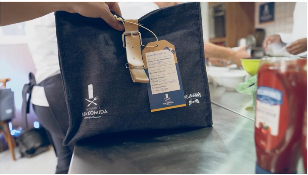 食材のないレストランで使うバッグ