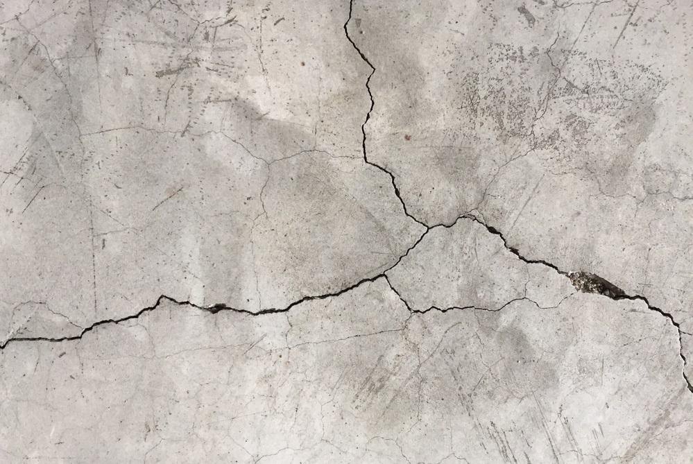コンクリートのヒビ
