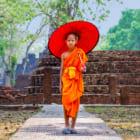 仏教国タイのアップサイクル。廃棄プラスチックから作る僧侶の袈裟