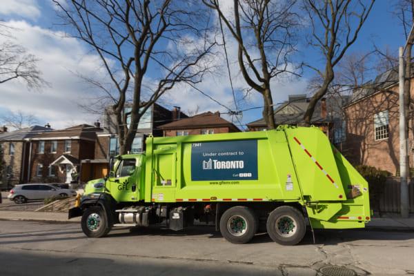 toronto-garbage-truck