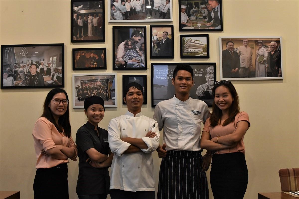 無償で職業訓練を行い、若者に雇用を提供するベトナムのレストラン「KOTO」