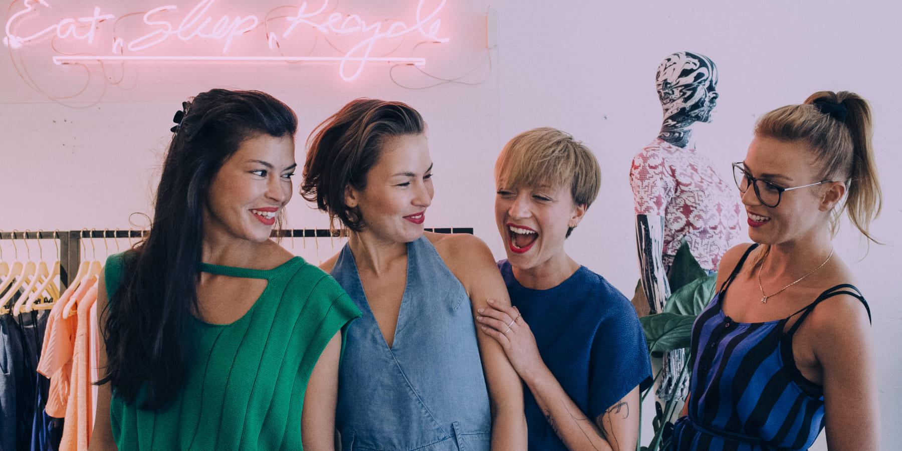 オランダ発、服との付き合い方を問う「LENAファッションライブラリー」