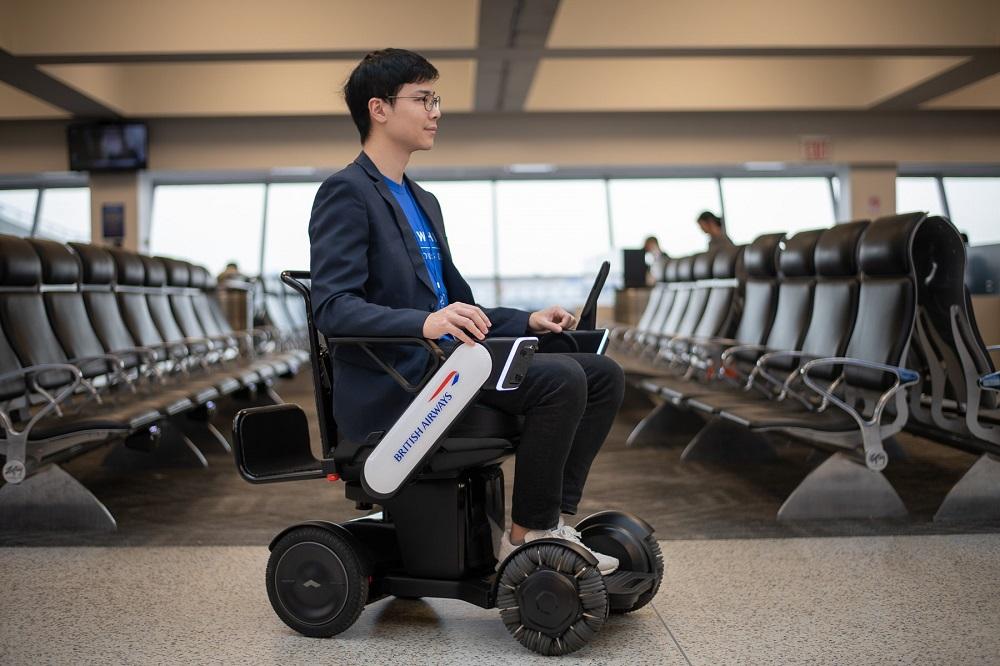 ブリティッシュ・エアウェイズ、自力で自由に移動できる日本発の電動車いすを導入。