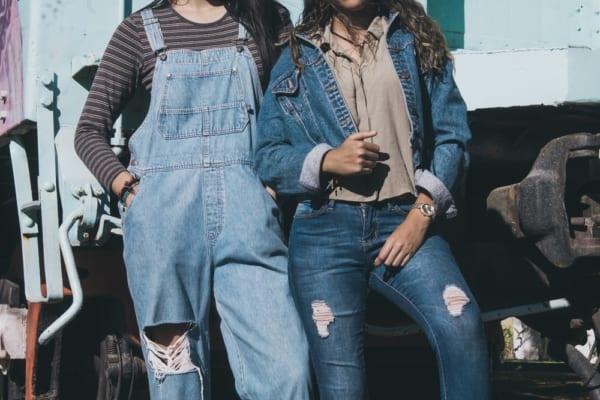 天然染色のジーンズ