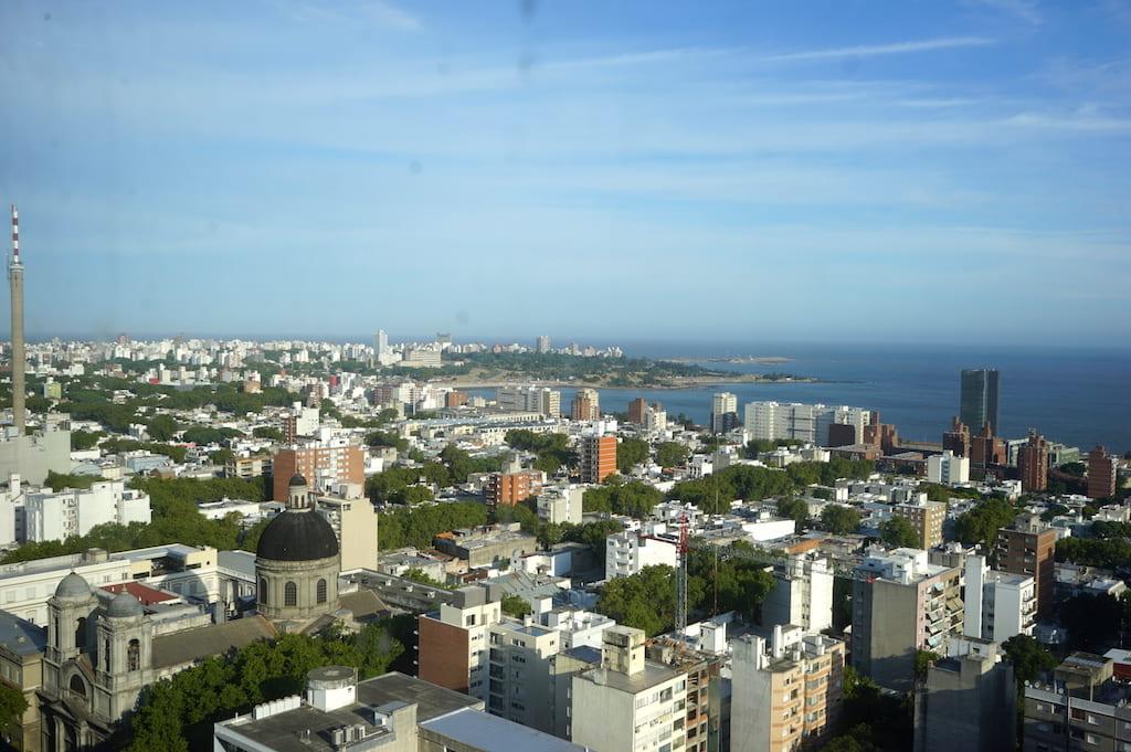 屋上から見たモンテビデオの景色