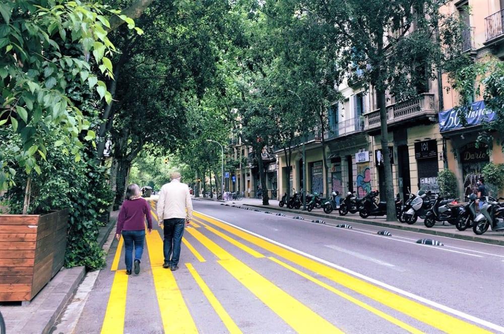 歩道の拡張