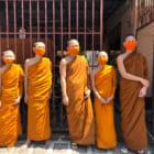 環境対策でコロナ対策。タイの僧侶が作る、ペットボトルを再生利用したマスク