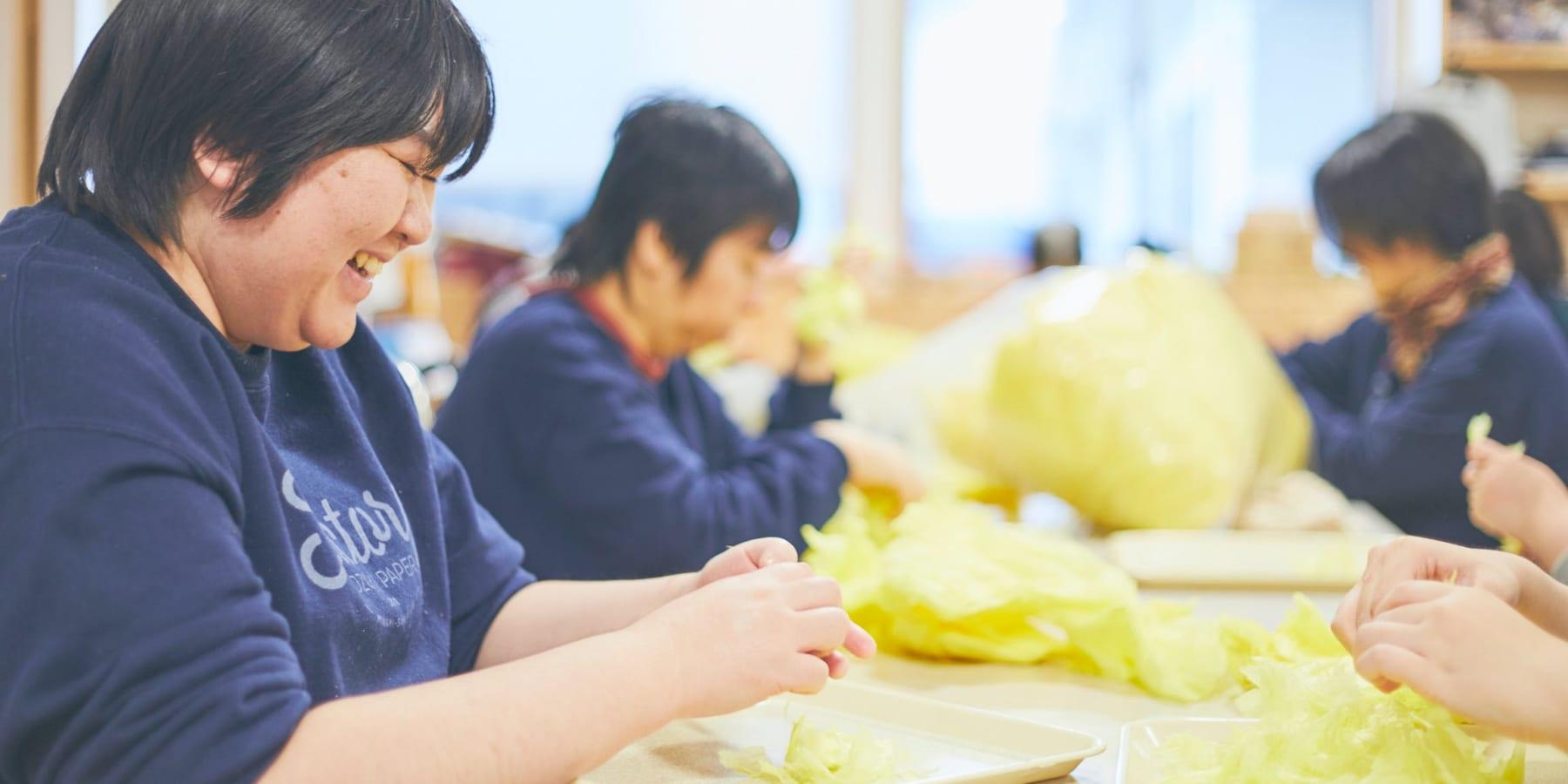 仙台七夕祭りの飾りで作られたリサイクルペーパー「TANABATA PAPER」