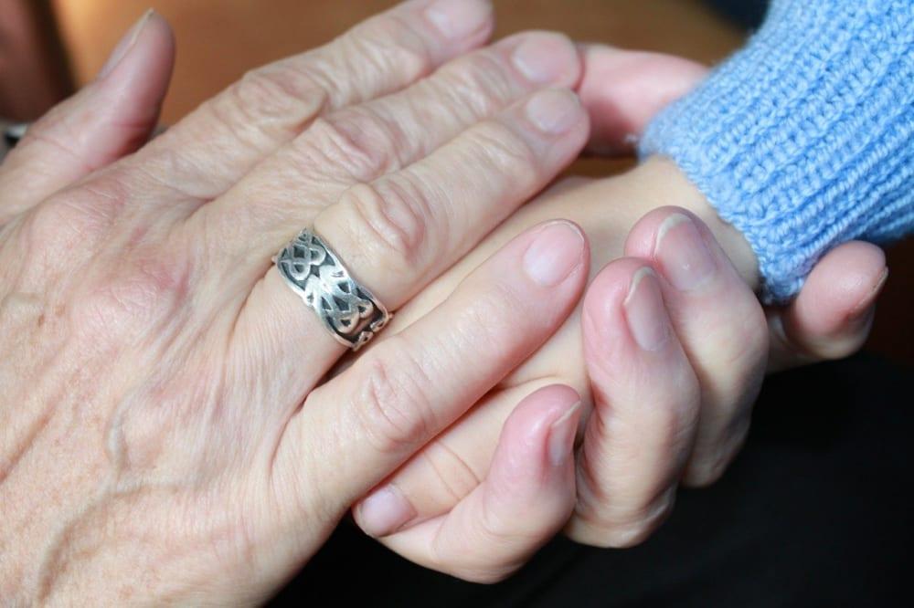 おばあさんの手
