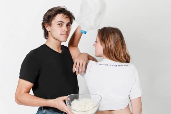 余剰牛乳で作ったTシャツ