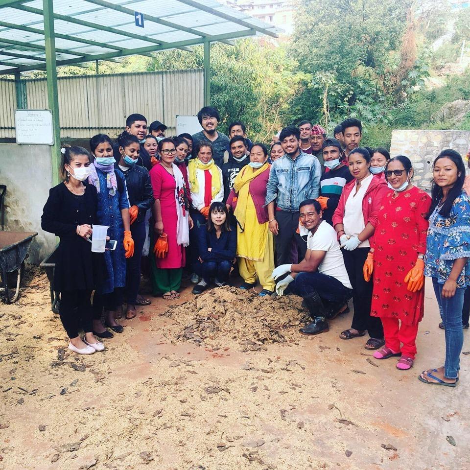 ネパールでの生ごみコンポストプロジェクトの様子