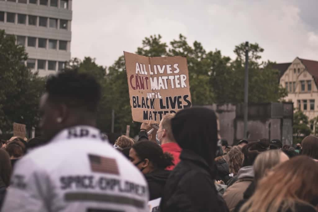 All Lives MatterかBlack Lives Matterか