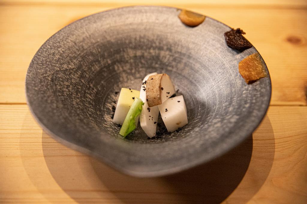 沼山大根や田沢ながいもなどの秋田の伝統野菜を使った一品