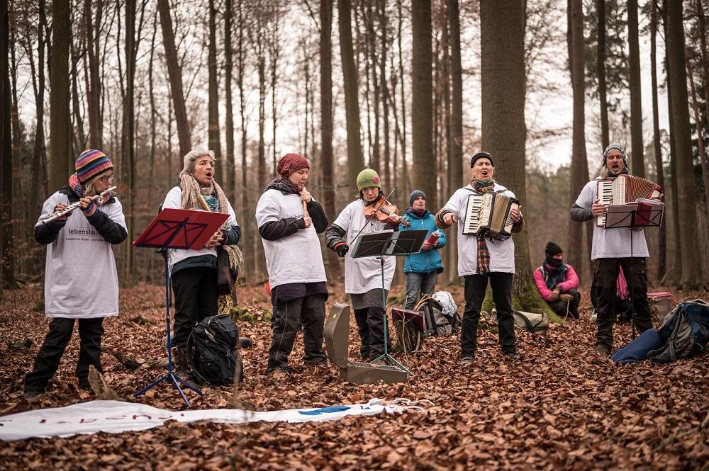 音楽を通じてつながるコミュニティメンバー。Photo by Tim Wagner