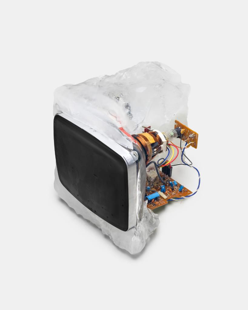氷でできたパソコン
