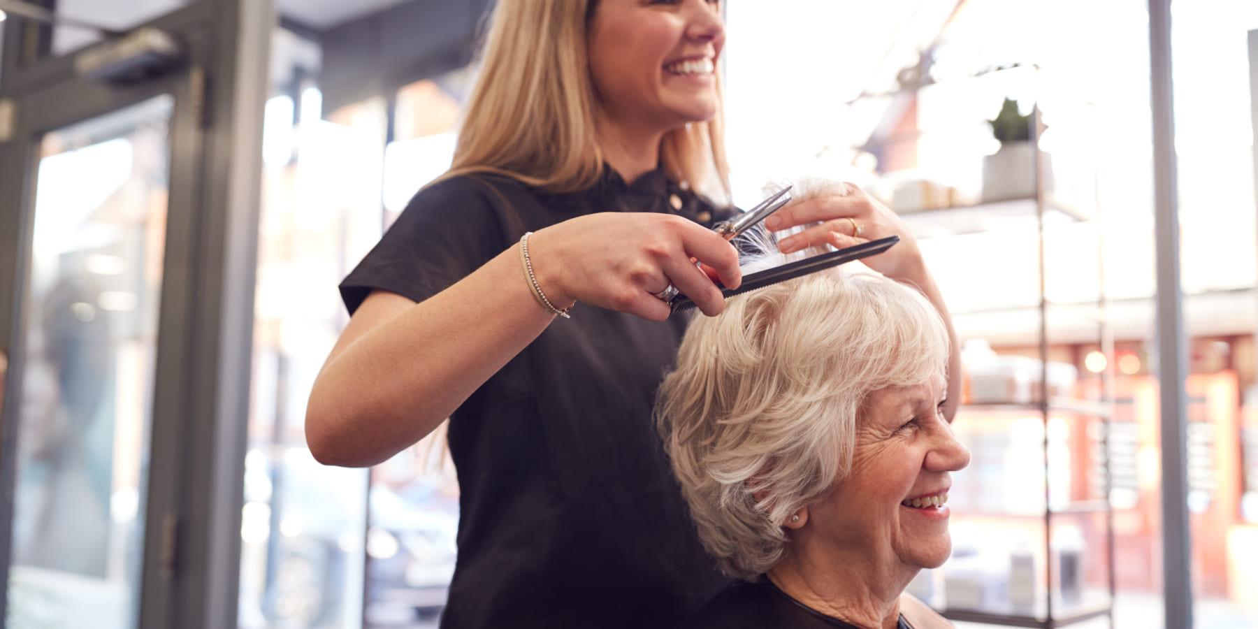 美容師がDV被害者を適切な支援につなぐ「Hairdressers with Hearts」