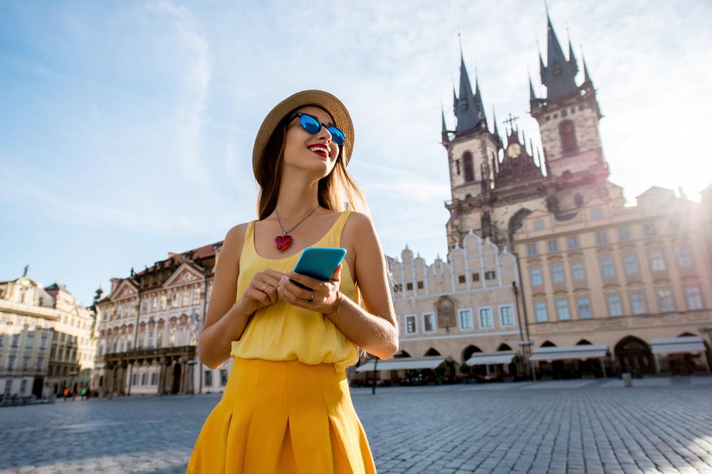 コロナ禍で地域経済の活性化を目指す、チェコのデジタル通貨「Corrent」