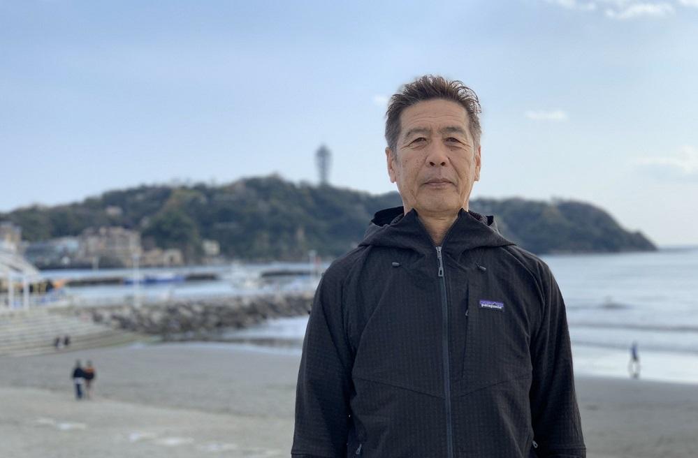 江の島海水浴場協同組合様より提供_森井理事長写真横2