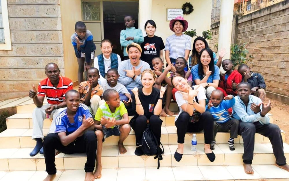プロジェクトに参加したメンバーとの写真
