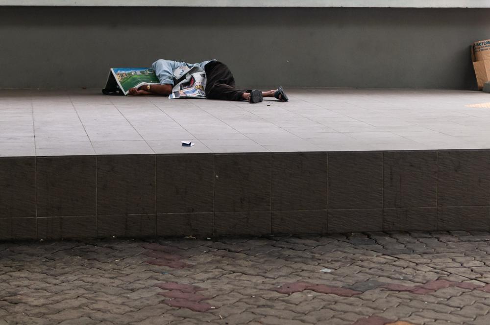 ホームレス状態の男性
