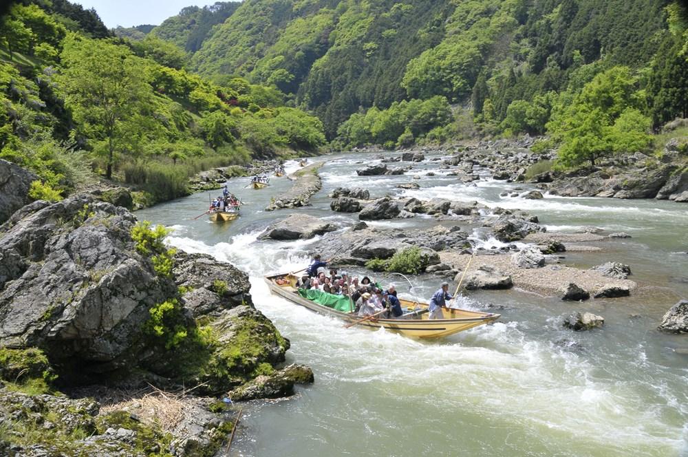 漂着ごみの現状を知るツーリズム「かめおか保津川エコna川下り」